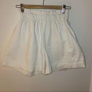 Vintage // Cream Paperbag Shorts Small/Medium